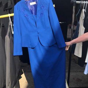 Dresses & Skirts - Cobalt blue two piece, size 12. Wedding ready!